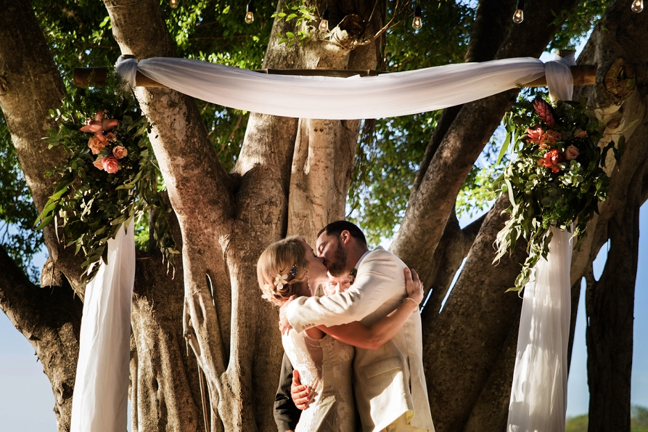 Costa Rica Wedding Planner Mil Besos / Photo Christina Craft