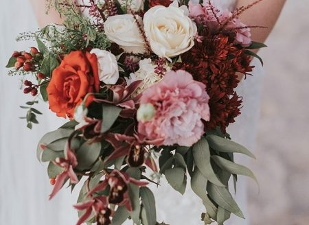 Featured on Boho Weddings Boho Brides Bouquet Burgundy Cream. Costa Rica Wedding Planner Meghan Cox Mil Besos, Photo Adri Mendez