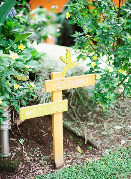La Fortuna Wedding Planner Meghan Cox Mil Besos, Photographer Lisa Blume Photography
