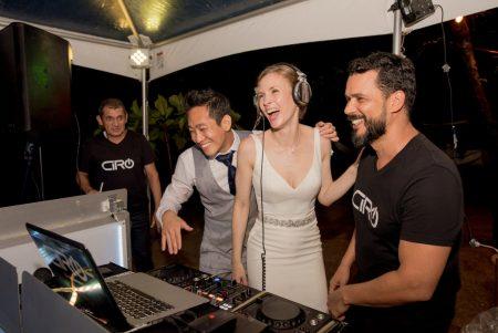 Deejay Ciro Costa Rica Wedding Planner Meghan Cox Mil Besos Photographer Sylvia Guardia