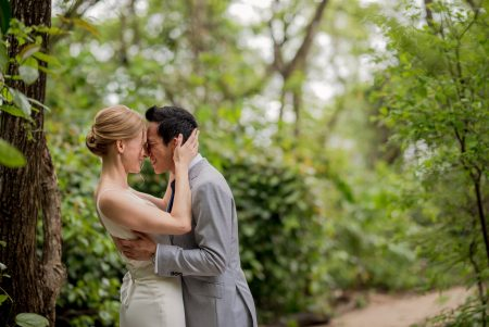 First Look Tamarindo Costa Rica Wedding Planner Meghan Cox Mil Besos Photographer Sylvia Guardia