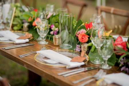 Tropical Centerpiece Costa Rica Wedding Planner Meghan Cox Mil Besos Photographer Sylvia Guardia