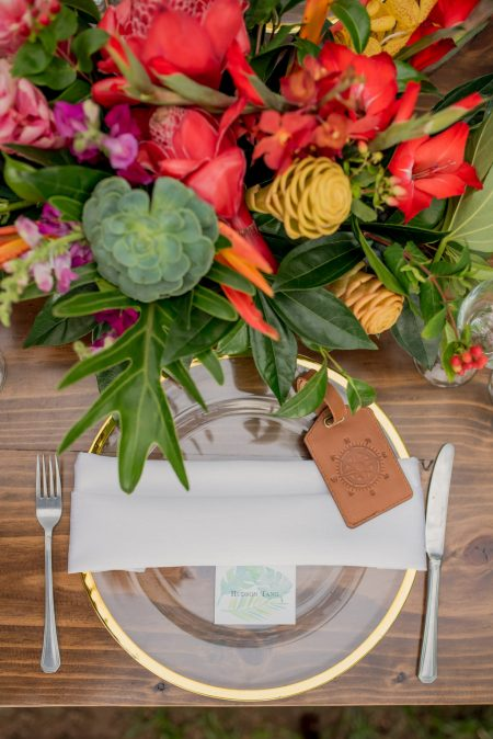Tropical Place setting Inspiration Costa Rica Wedding Planner Meghan Cox Mil Besos Photographer Sylvia Guardia