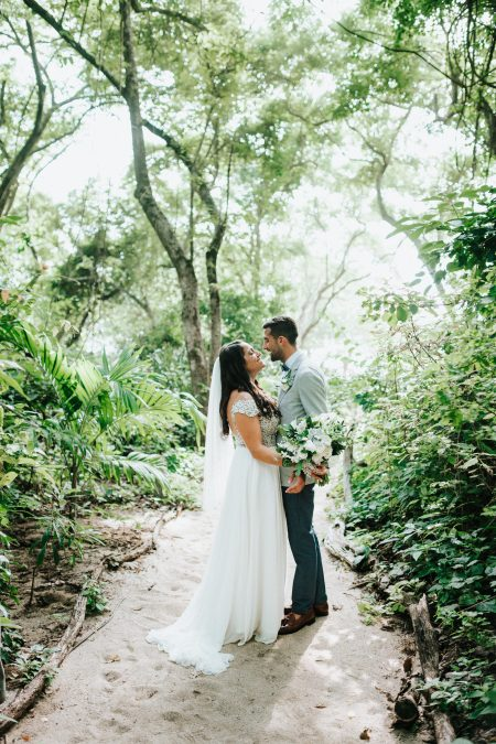 First Look Bride Groom Costa Rica Wedding, Wedding Planner: Meghan Cox, Mil Besos, Photographer: Costa Vida