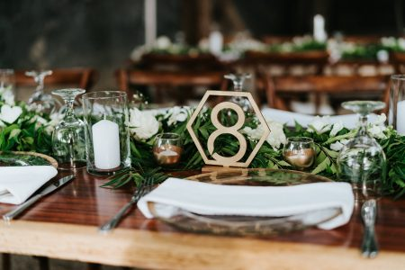 Table Decor Costa Rica Wedding Planner: Meghan Cox, Mil Besos, Photographer: Costa Vida