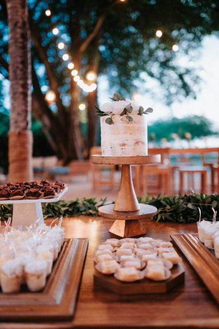 Dessert Bar Costa Rica Wedding, Wedding Planner: Meghan Cox, Mil Besos, Photographer: Costa Vida