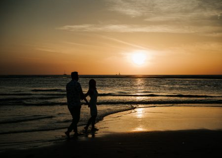 costa rica sunset la playa tama puros dieces The best months to have a wedding in Costa Rica