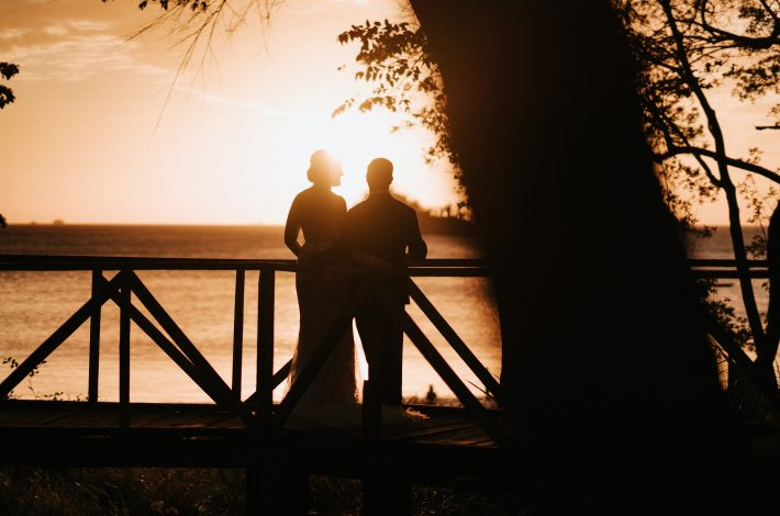 sunset costa couple las cata 25 Quintessential Tips for Throwing a Striking Destination Wedding