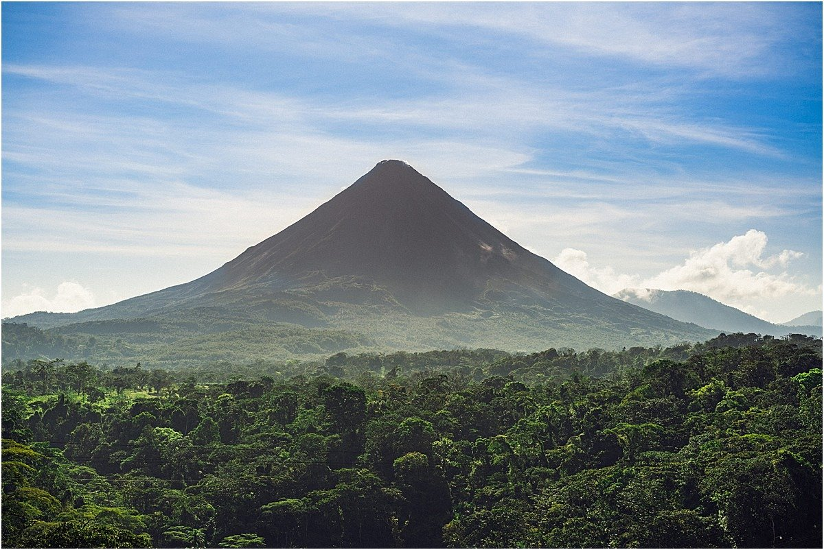 Stunning photo of the Arenal Volcano