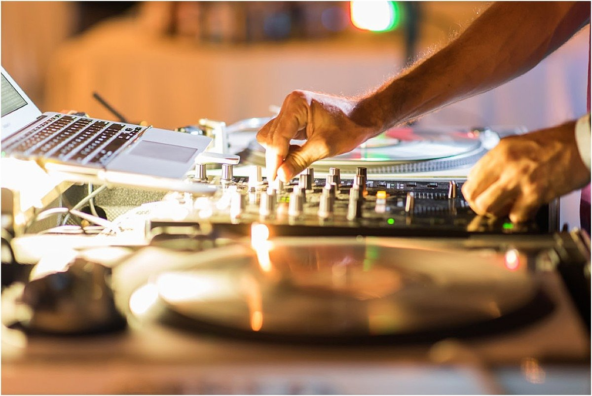 DJ playa conchal costa rica Tips to create the perfect wedding playlist