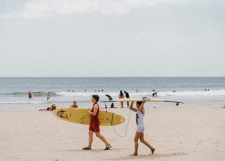 best surf spots in costa rica la-playa-tamarindo-surf-costa-beach-surfing